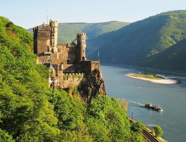 หุบเขาโรแมนติกไรน์ (Rhine Gorge) เยอรมัน