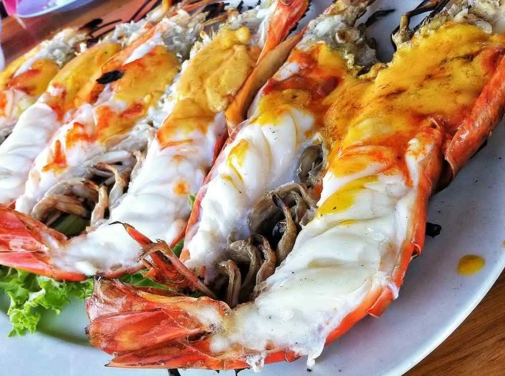 อาหารพม่าขึ้นชื่อ