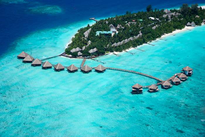 Adaaran Club Rannalhi Maldives (อดารัน คลับ รันนาลี มัลดีฟส์) ไม่รวมตั๋วเครื่องบิน ราคาเริ่มต้น 17,000 บาท เหมาะสำหรับสายธรรมชาติและดำน้ำ