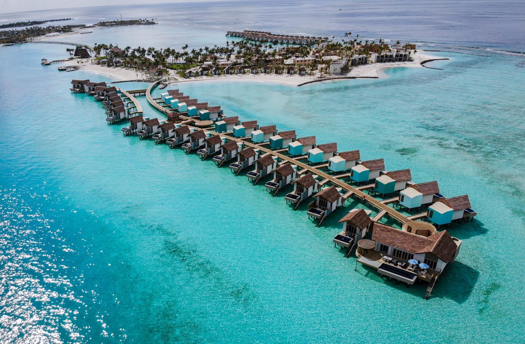 Hard Rock Hotel Maldives (ฮาร์ดร็อค โฮเทล มัลดีฟส์) ไม่รวมตั๋วเครื่องบิน ราคาเริ่มต้นเพียง 17,700 บาท เหมาะสำหรับครอบครัว