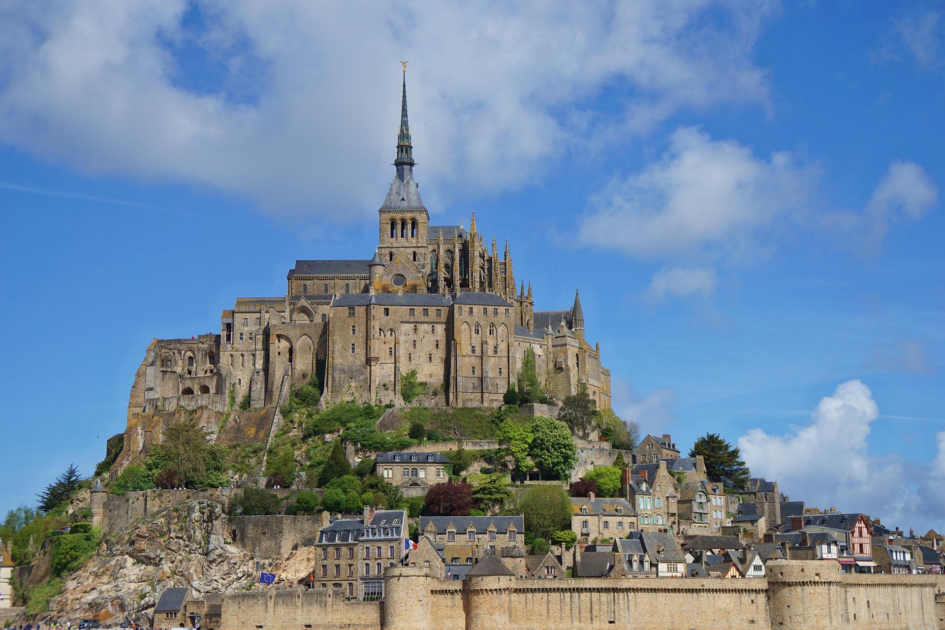 Package France Mont Saint Michel 8D5N ไม่รวมตั๋วเครื่องบิน เที่ยวด้วยตัวเอง ราคาเริ่มต้น 46,000 บาท เหมาะสำหรับผู้ที่ใช้ภาษาอังกฤษได้เท่านั้น