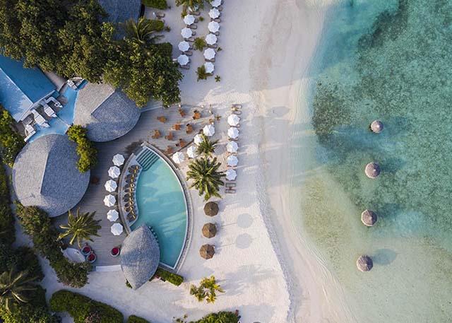Cantara Rus Fushi Resort & Spa Maldives (เซ็นทารา ราส ฟูชิ รีสอร์ทแอนด์สปา มัลดีฟส์) สงกรานต์ รวมตั๋วเครื่องบิน ราคาเริ่มต้น 42,600 บาท เหมาะสำหรับสายดำน้ำและความสงบส่วนตัว