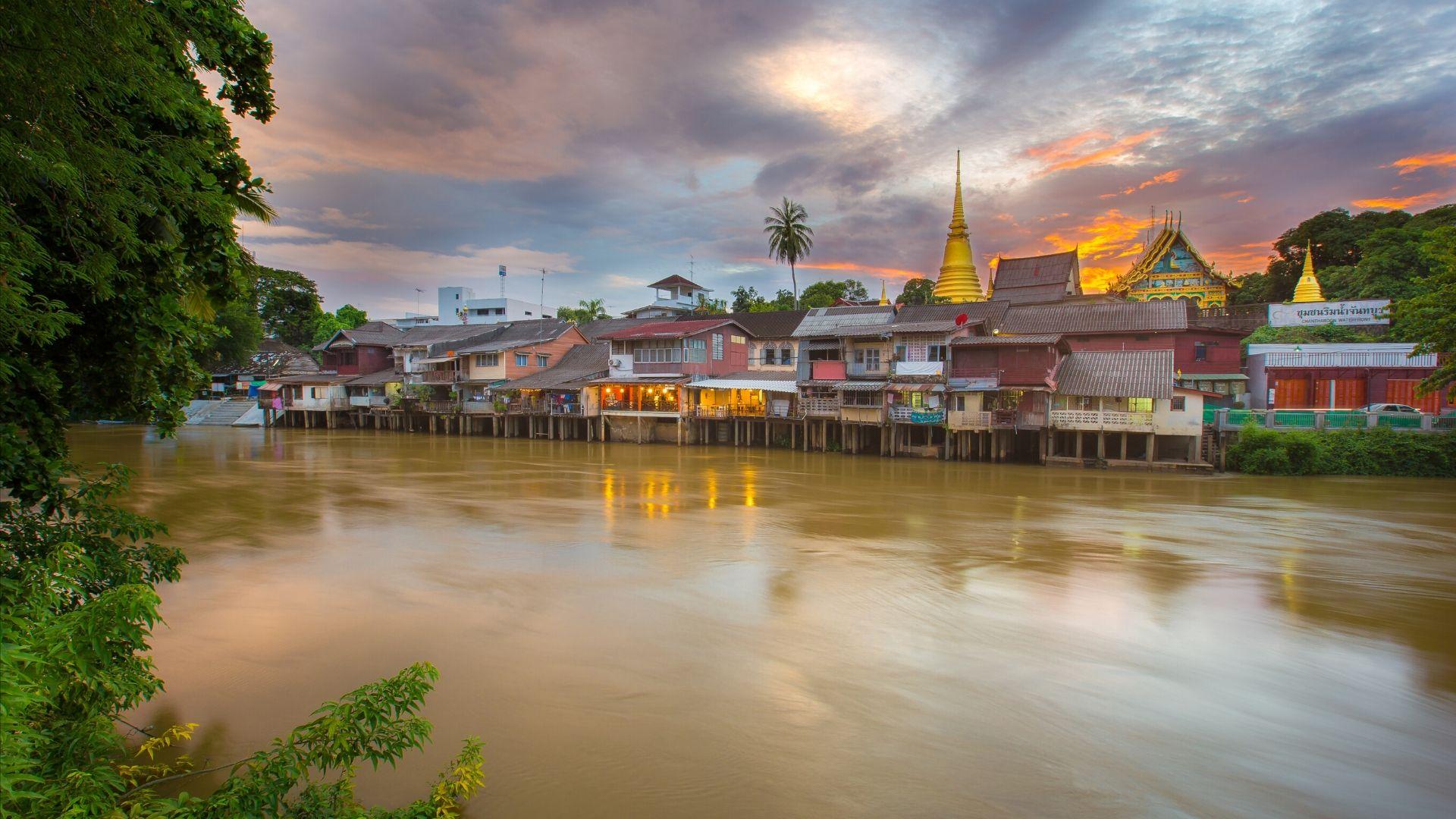 แพ็คเกจจันทบุรี (Chanthaburi) 3วัน 2คืน เดินทางโดยรถตู้ VIP ราคาเพียง 5,999 บาท